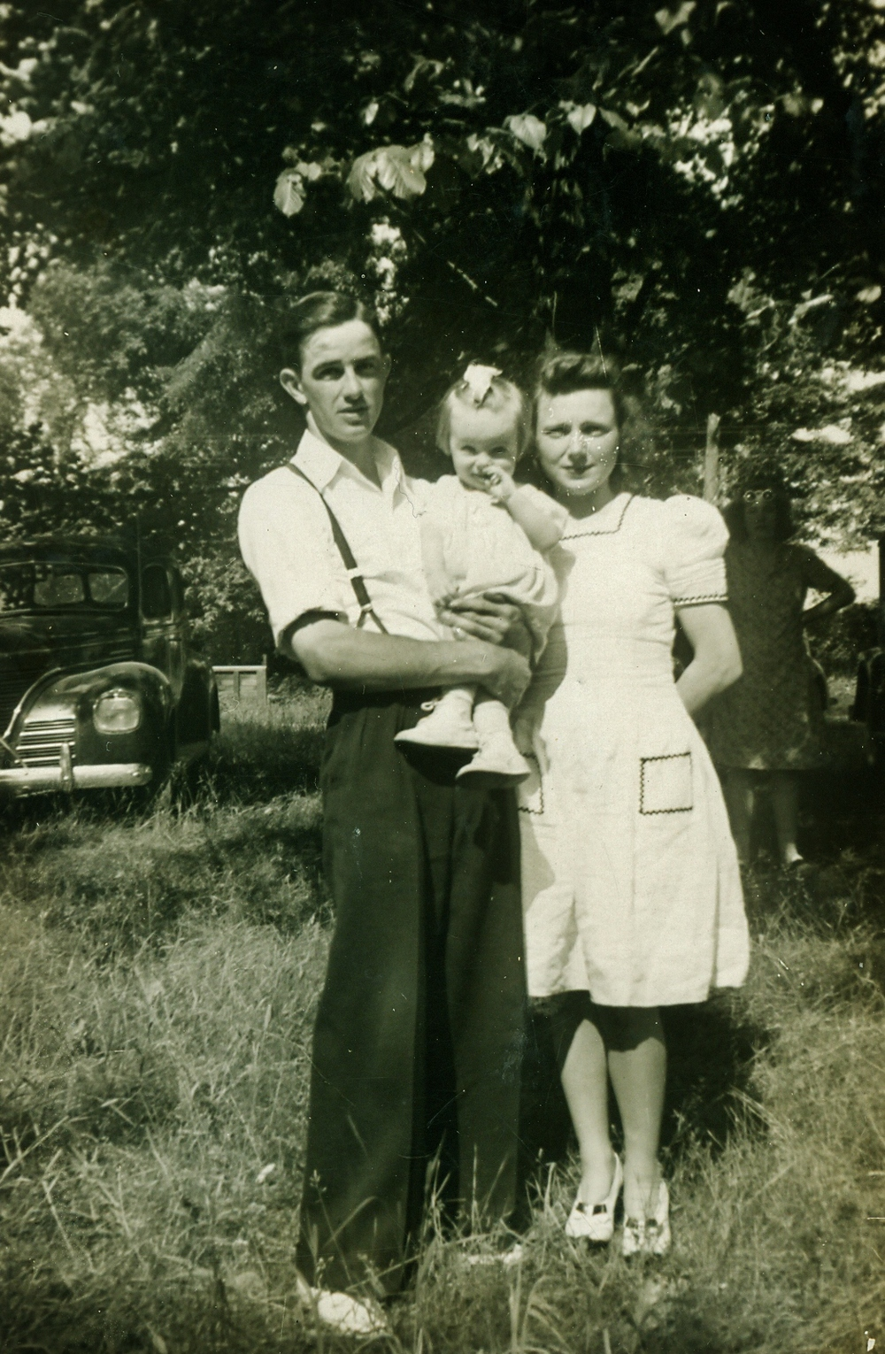 Charles & Cora Edna Campion w daughters, Edna Arlene (McKee) 1942