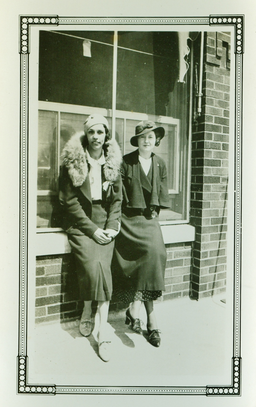 Helen Gaffney Jones Mantle & Maudie Dennis , May 1934