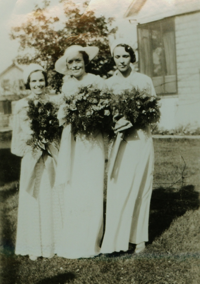 l-r Eugena Gaffney,  Madeline Gaffney,  Helen Gaffney (Jones Mantle)