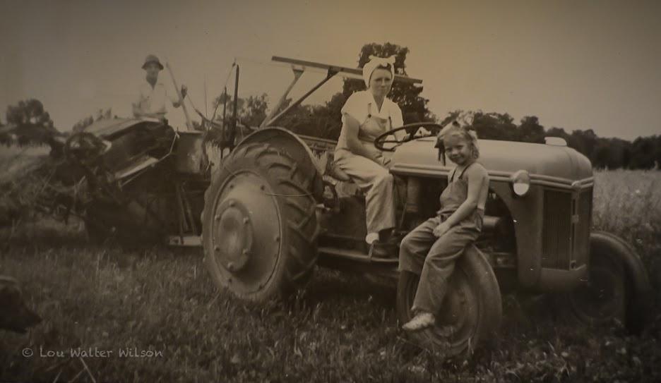 Della & Carol Wilson1947  6months pregnant with Lou