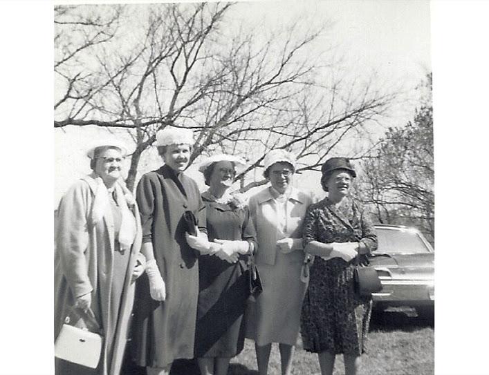 Laura, Ruth, Ester, Della & Evelyn Plane1962