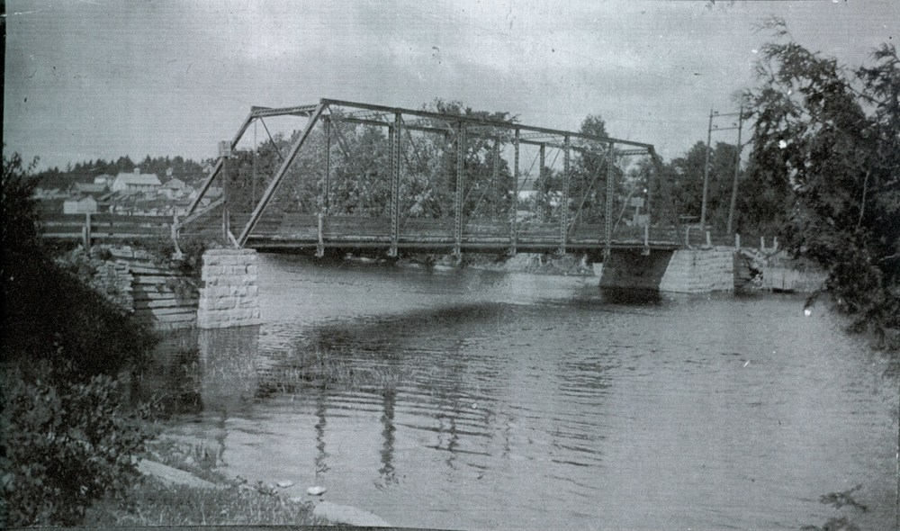Crowe River Bridge.jpg