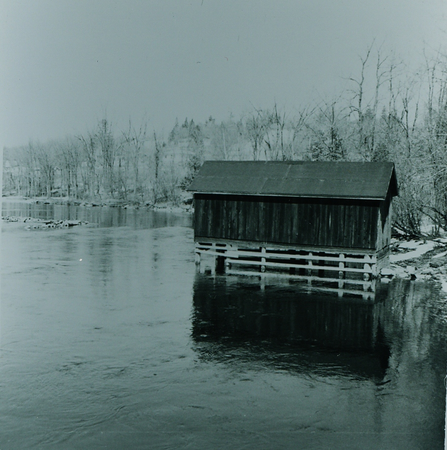 Crowe River  Boathouse.jpg
