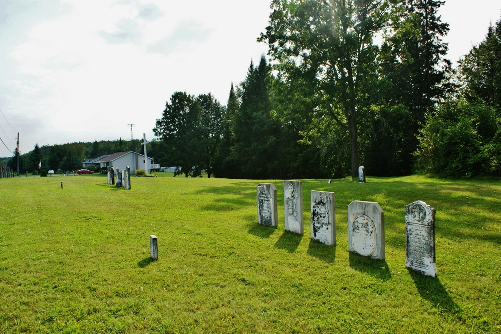 Hughes Cemetery, Centre Line Road, looking south.JPG