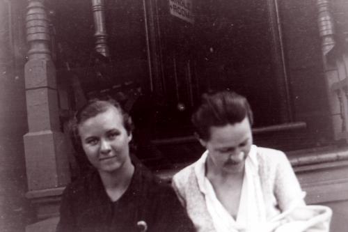 Gladys (Lucas) Chrysler & sister Helen