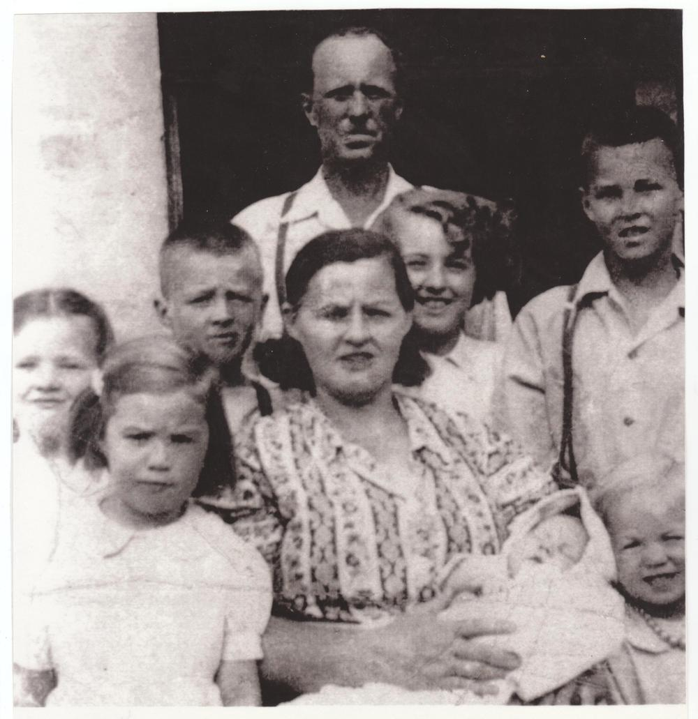 provost-family-photo-1949