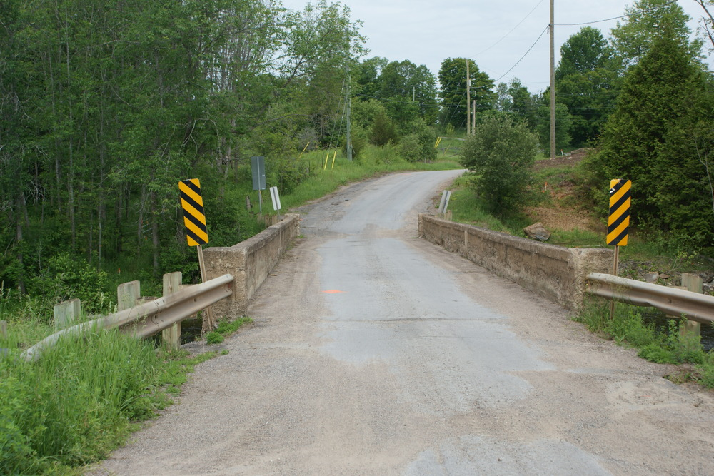 The last photo taken of the Beaver Creek Road bridge (June 16, 2015), before being replaced.