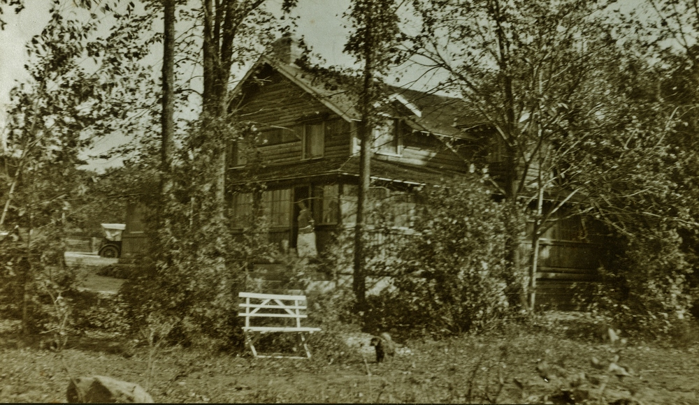 J. Pearce & Dr. C. Wallace cottage,  Tipperary Rd. Crowe Lake