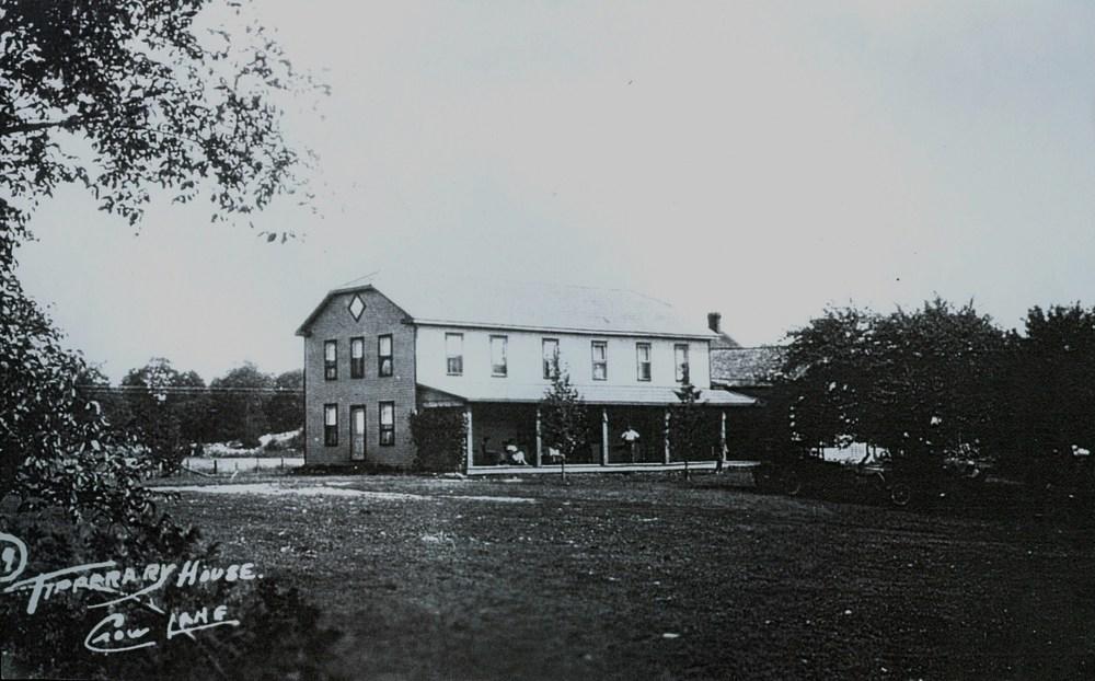 Tipperary Hotel c.1932.jpg