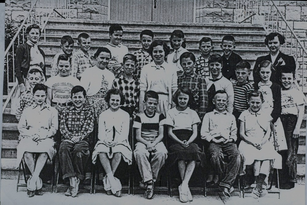 1956 Sacred Heart School.jpg