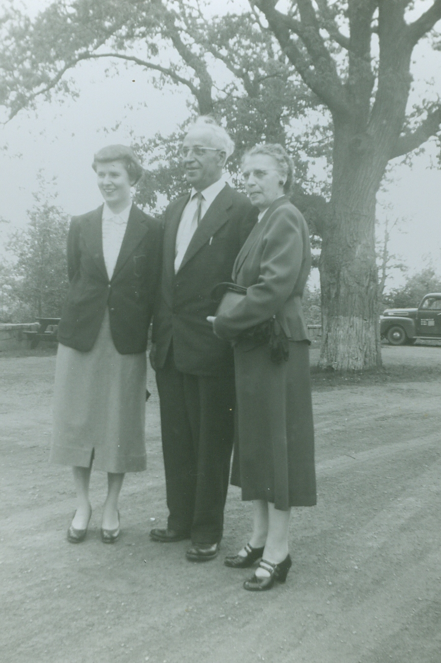 Mr. & Mrs. Earl Prentice