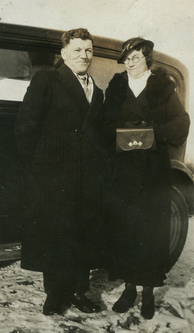 Reynolds, Fred,  with new wife,  Martha Doyle