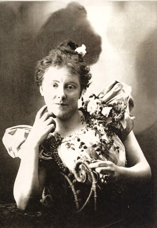 Edyhe Hall,, wife of (Joseph) Fred Pearce