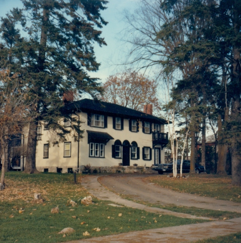 1985- Home of  Billie Pearce & sisters in 1934.jpg