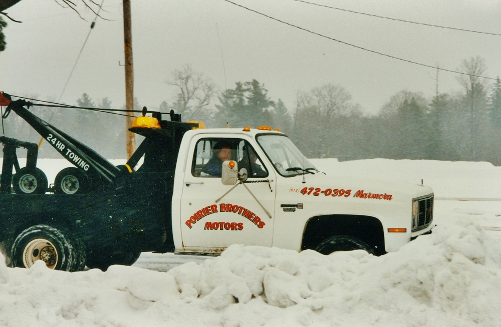 Snofest 1997 Poirier Brothers to the rescue.jpg