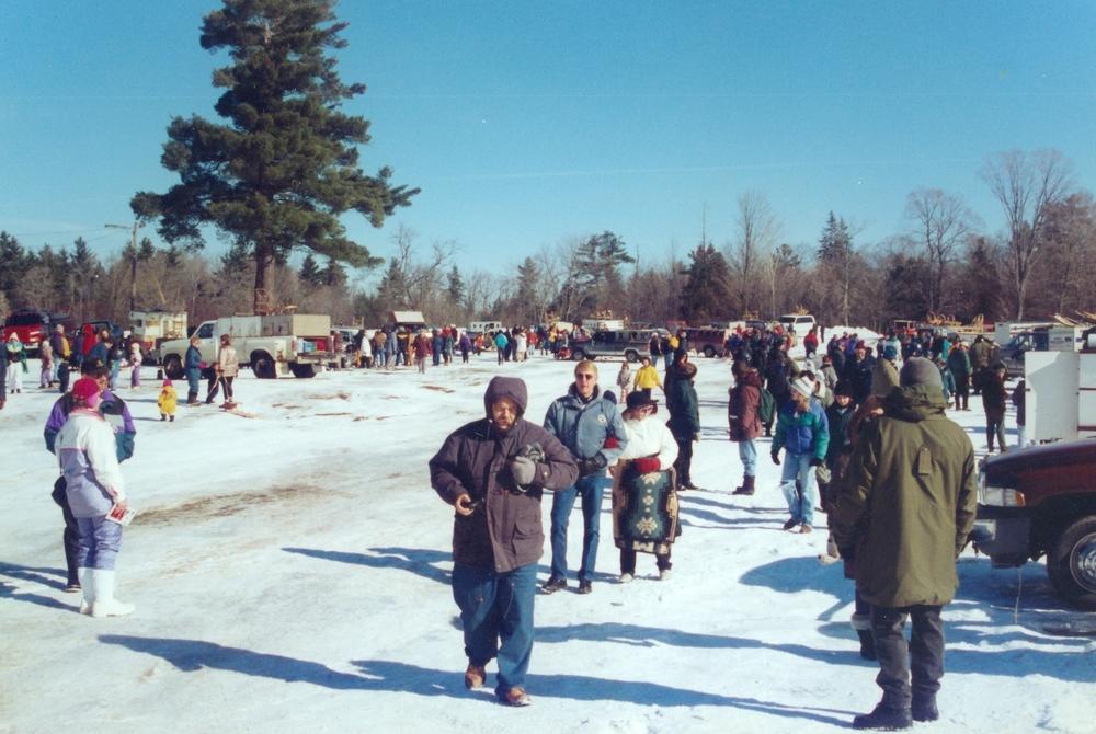 Snofest 1998 Crowds.jpg