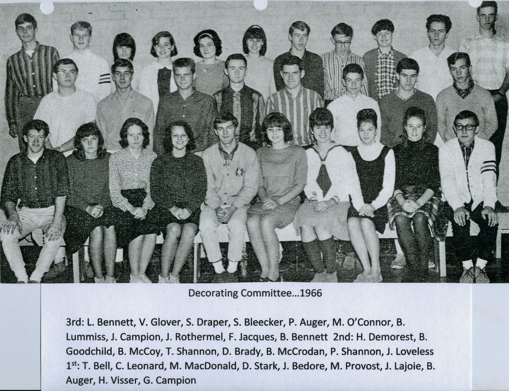 Decorating committee 1966.jpg