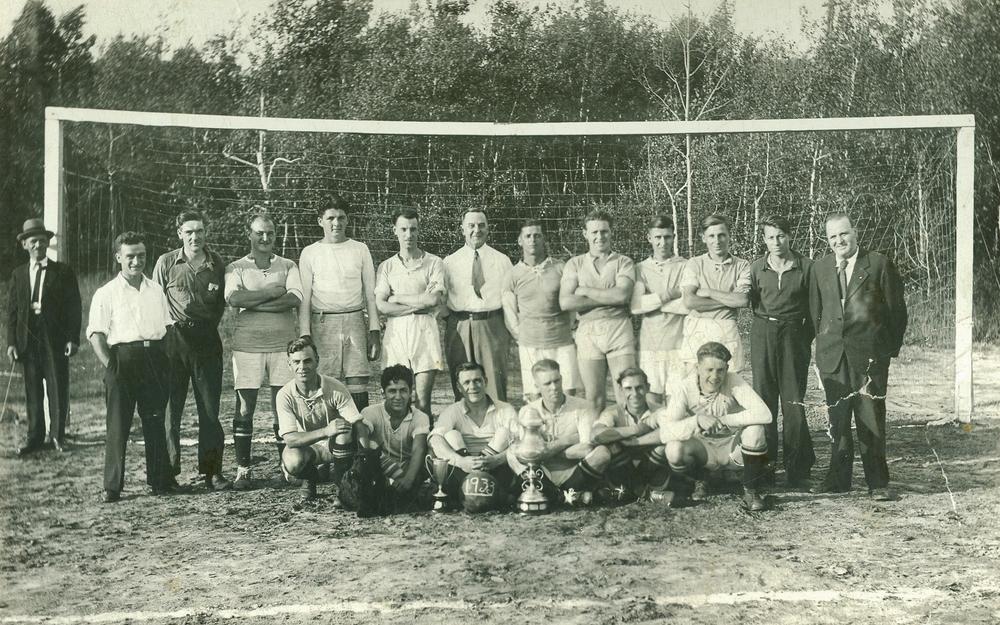 Deloro Soccer - 1933