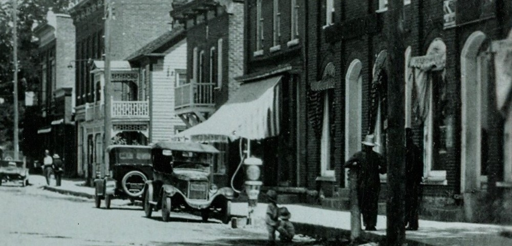 Forsyth Streetwith turning post, 1922