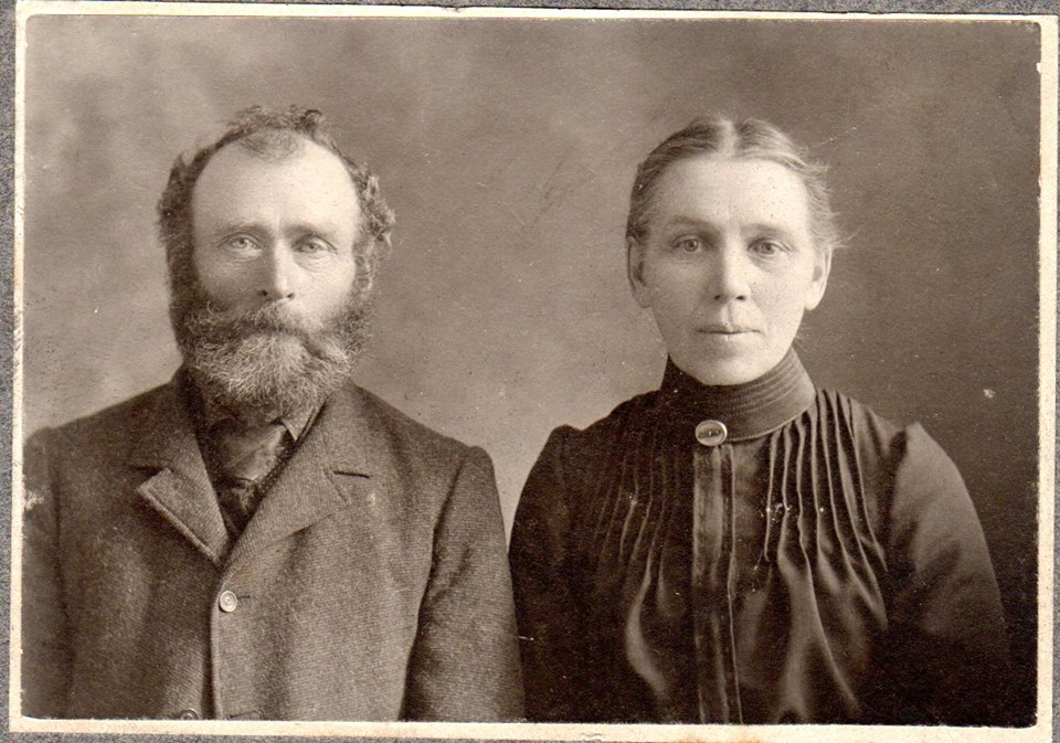 Pat Connors and Bridget GriffinGreat maternal grandparents ofMaloneys and McKinnons