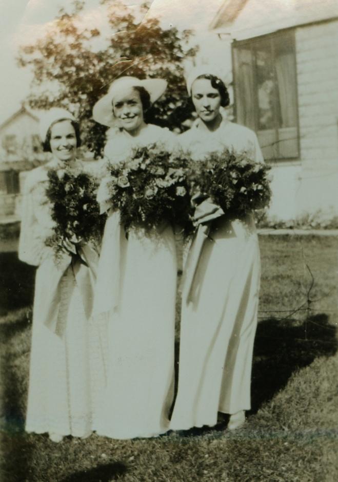 l-r Eugena Gaffney, Madeline Gaffney, Helen Gaffney (Jones Mantle)
