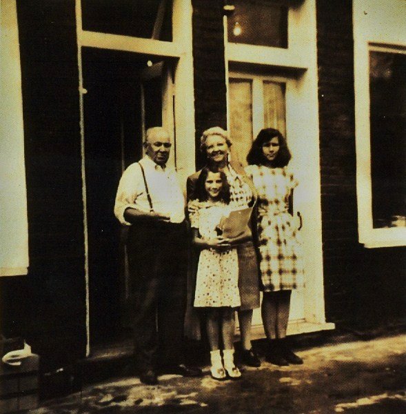George Aunger, Catherine Way, Arlene & Pat Aunger 1950