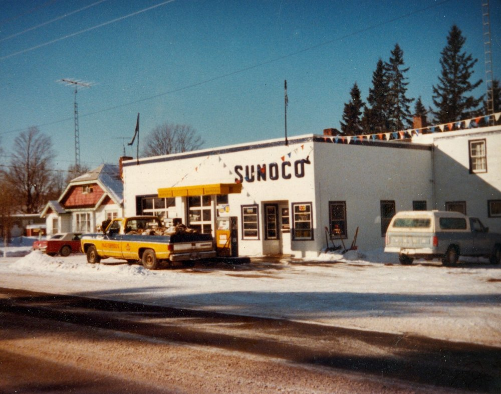 Sunoco station, Highway 7.jpg