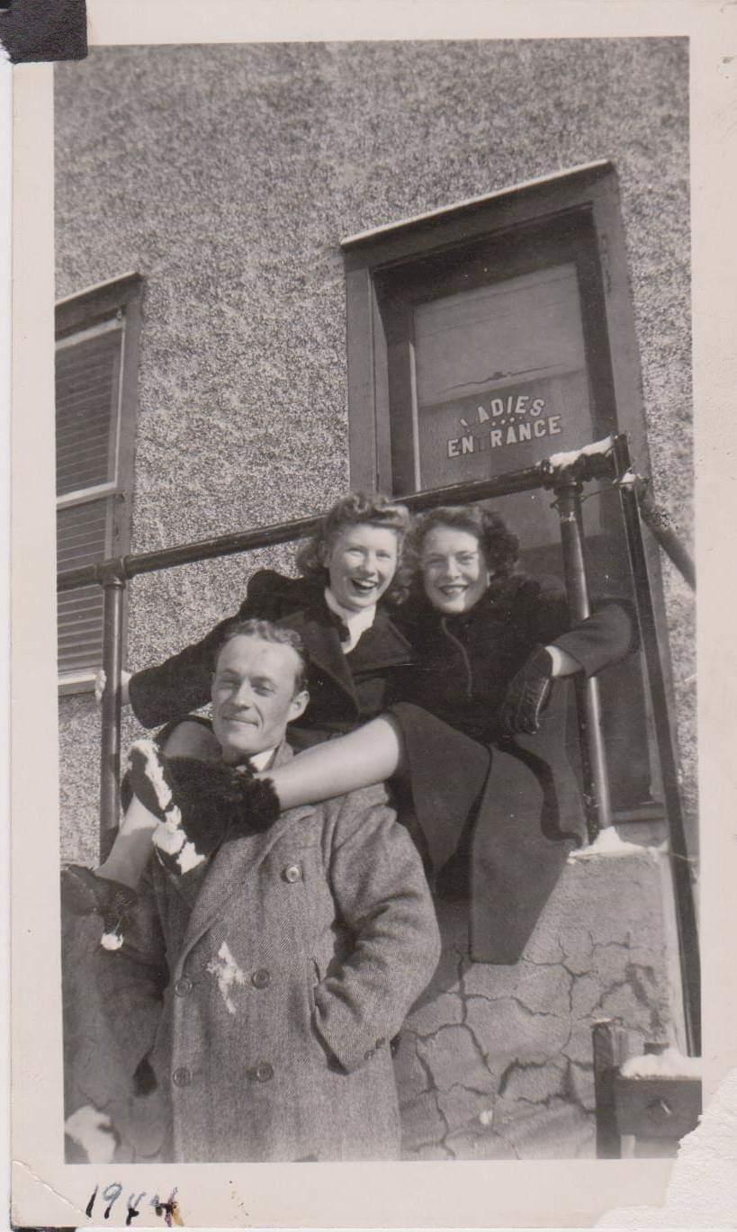 Ketcheson 1944 Royal Hotel Ladies entrance.jpg