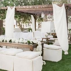 Breathtakign-white-wedding-decor 2.jpg