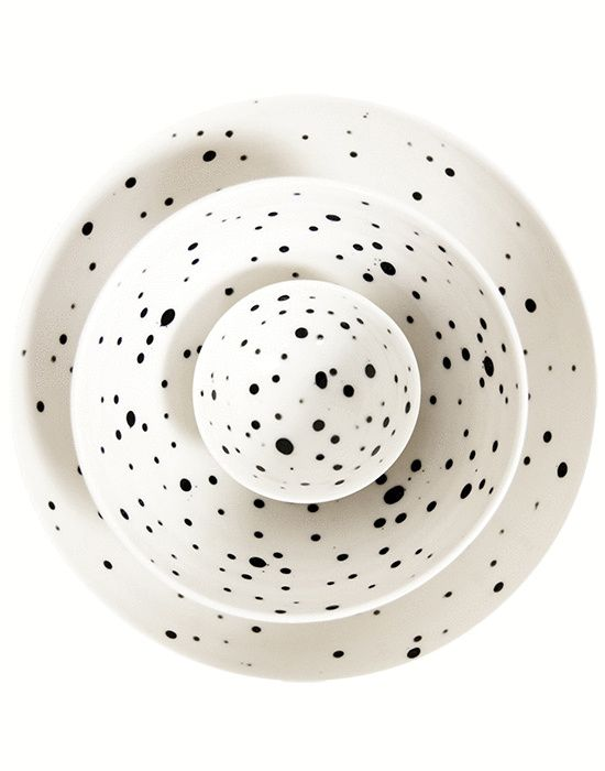 Pretty spotted nesting  bowls  (for the pretty summer home).