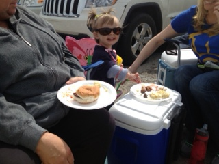 Isabella was loving the sun, food, and pretty much mattered to entertain us and everyone around us that was tailgating.
