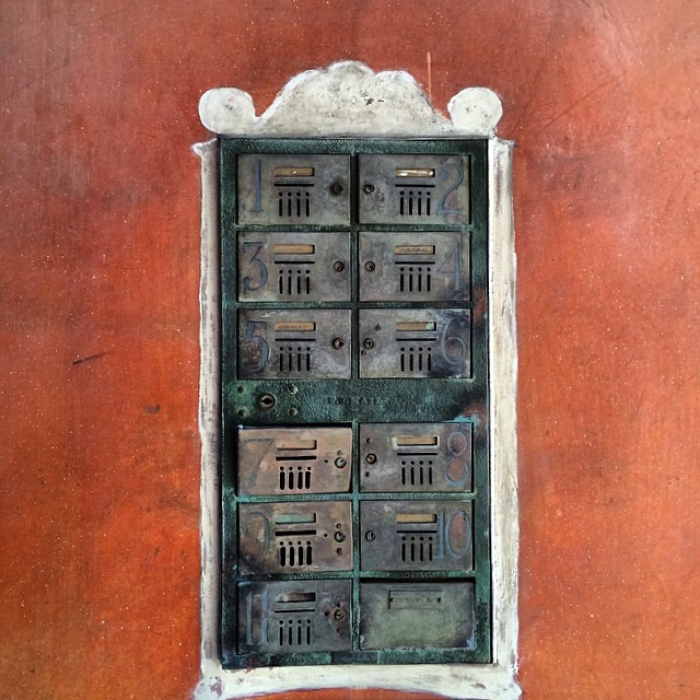 Stumbling upon this mailbox and those walls #patina #crush #iheartLA #oldhollywood