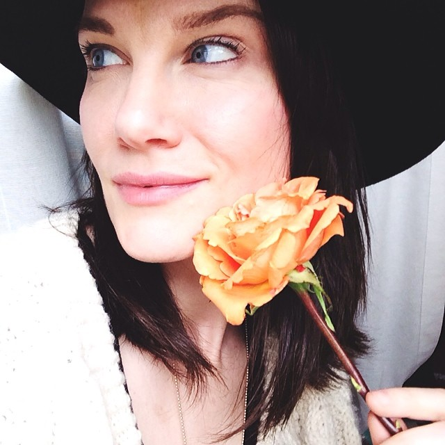 Lost a big job today. My dentist gave me a rose. Perfect to mourn the great Paco de Lucia. Then I asked him to take a picture to mark the moment and ended up looking away thinking of his amazing guitar playing. Such a loss. Sorry for the semi selfie haha :) #momentintime #lifegoeson #needajob haha  #keepsmiling #ladolcevita #flamenco #forever #silverlinings  #rose