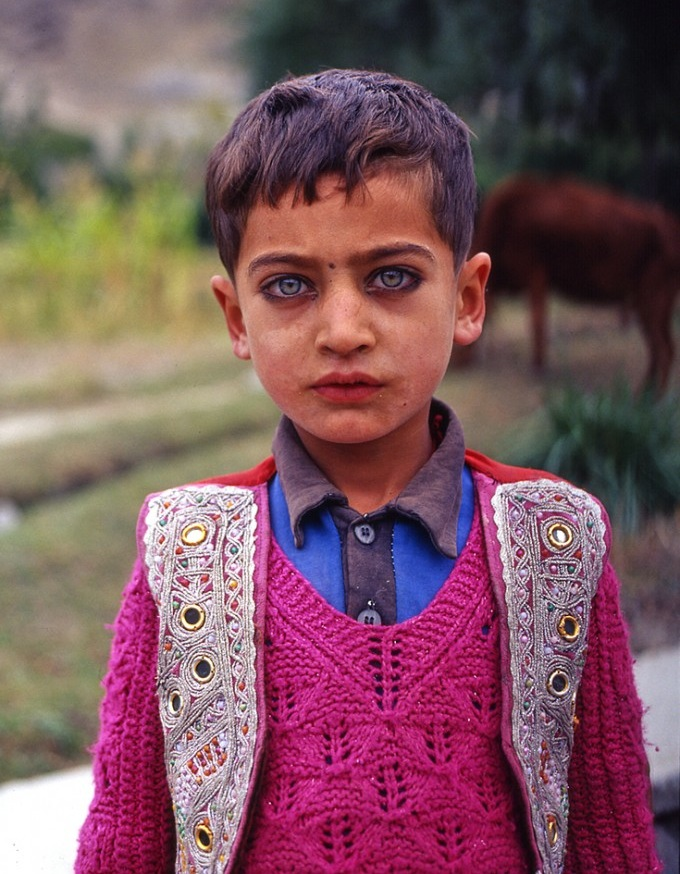 l4-hell :      vivalafashi0n :      imdemetrialynn :      brianashanee :     Tell me his soul is not old.     eyes tell legends     this little boy>     son     Researching gypsy life for one the many films I always have swimming in my head and will make someday!  This boy         those eyes                   His story…