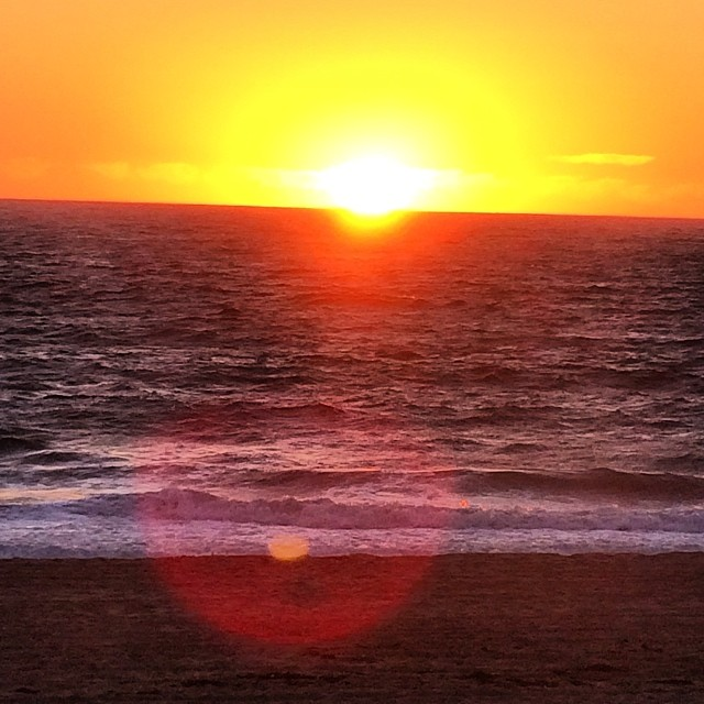 "Finally saw the the green flash and made a wish. Love my telephoto lens haha. It gives good flare ;) #cheeky haven't posted a poem to a sunset in awhile made me think of ""I want to eat the sunbeam flaring in your lovely body"" #pabloneruda #malibu #nofilter #ocean #sunset #love"