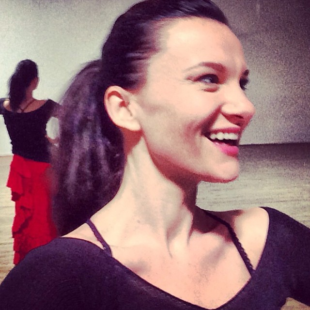 Got caught smiling at rehearsal today. I was chuffed to see this pic I had to post it. Haven't smiled enough lately. Smile and the world smiles with you and all that but also apparently it takes 72 muscles to frown and only 14 to smile. #goodday #smile #dancing #flamenco #carpediem #losangeles #notaselfie ;) 😄