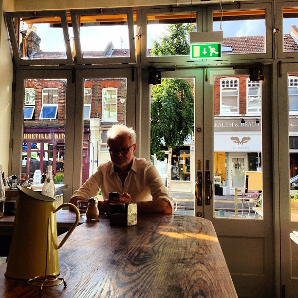 I had the best time hanging out with you dad! You are amazing! Thank you for the adventures. Stay brilliant! @rodneykiwi #loveyou xoxox #cafe #stilllife #london