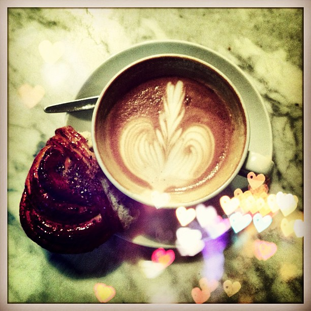 Haven't posted my love of coffee in awhile. No better time than while in #stockholm at the very best @dropcoffee mmmm so good. #hearts#latteart#fika#delicious