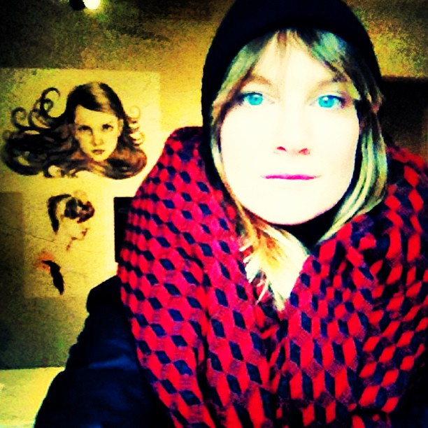 Got my game face on to withstand the cold out there burrrr #stockholm you can pack a punch girl. Time for the #ûber #scarf