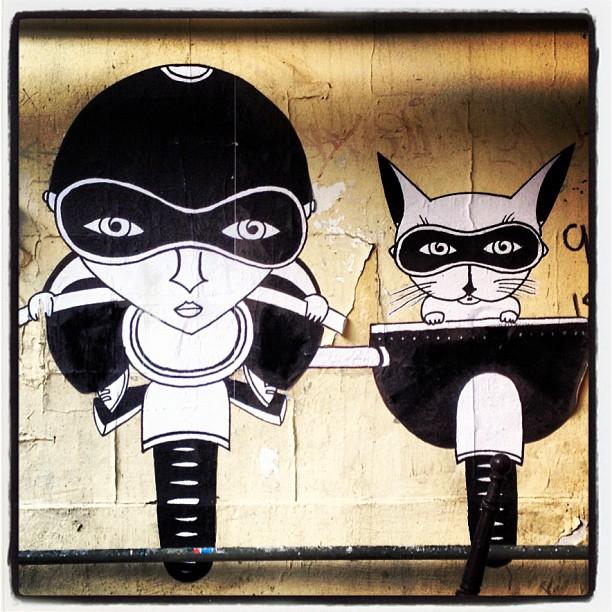 #streetart#marais#paris#motobabe#sidecar#coolcats