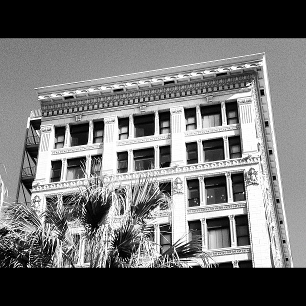 On a #date with #myself #exploring #dtla #santafe #building #blackandwhite definite #loveaffair brewing with this city… ❤ (Taken with  Instagram )