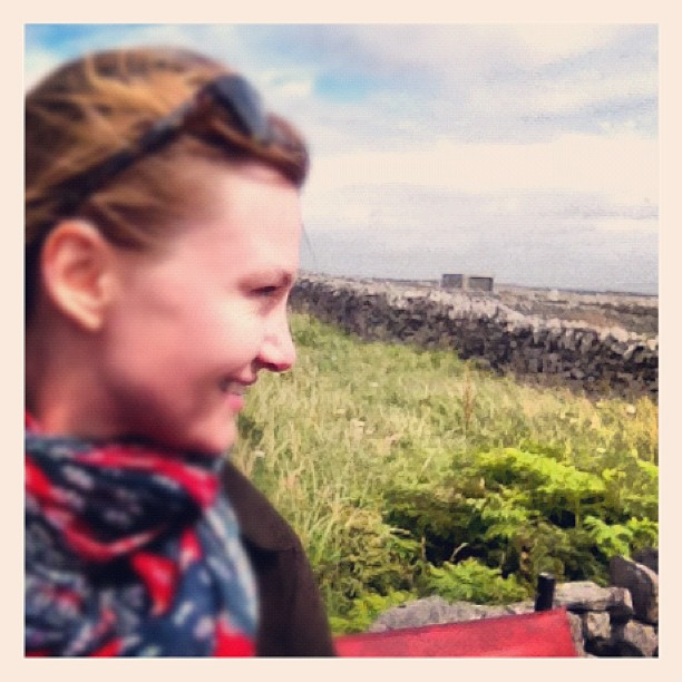 A very happy #girl riding a caravan through the #aran #islands #ireland first moment to be a tourist  (Taken with  Instagram )