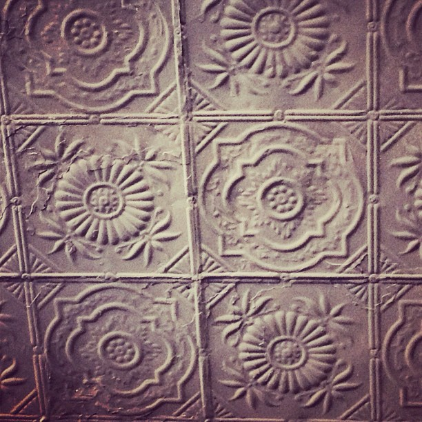 Man I miss real #tin #ceilings Where are they in LA? Have to find them! #oldschoolgirlatheart #toronto  (Taken with  instagram )