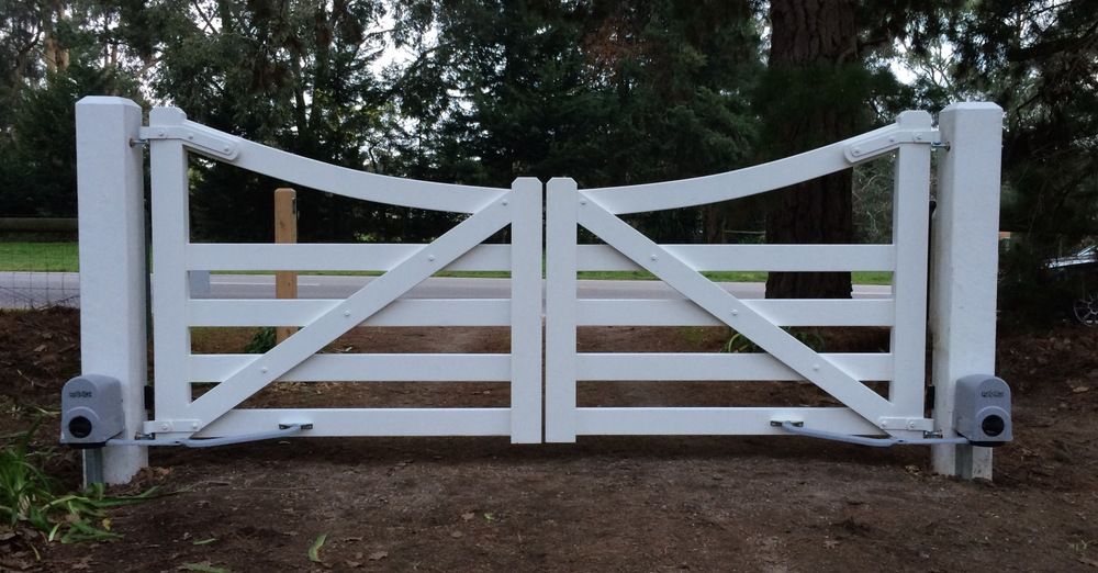 235 Bungower Road Somerville. Gates with automation.
