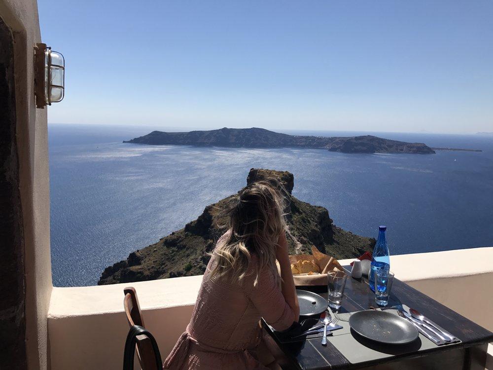 """Restaurant """"Mezzo"""" à Imerovigli"""