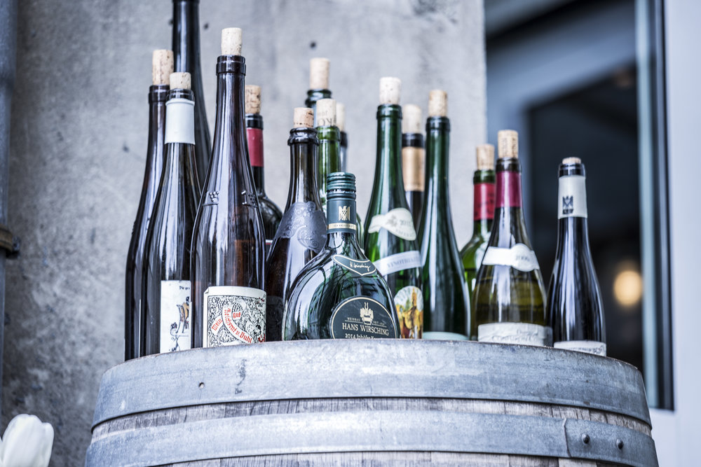 Regionales und hochprozentiges - Unser Fokus liegt auf der Verwendung von regionalen Produkten. Neben unserer Weinkarte mit über 200 Positionen warten wir noch mit über 50 Schnäpsen auf.
