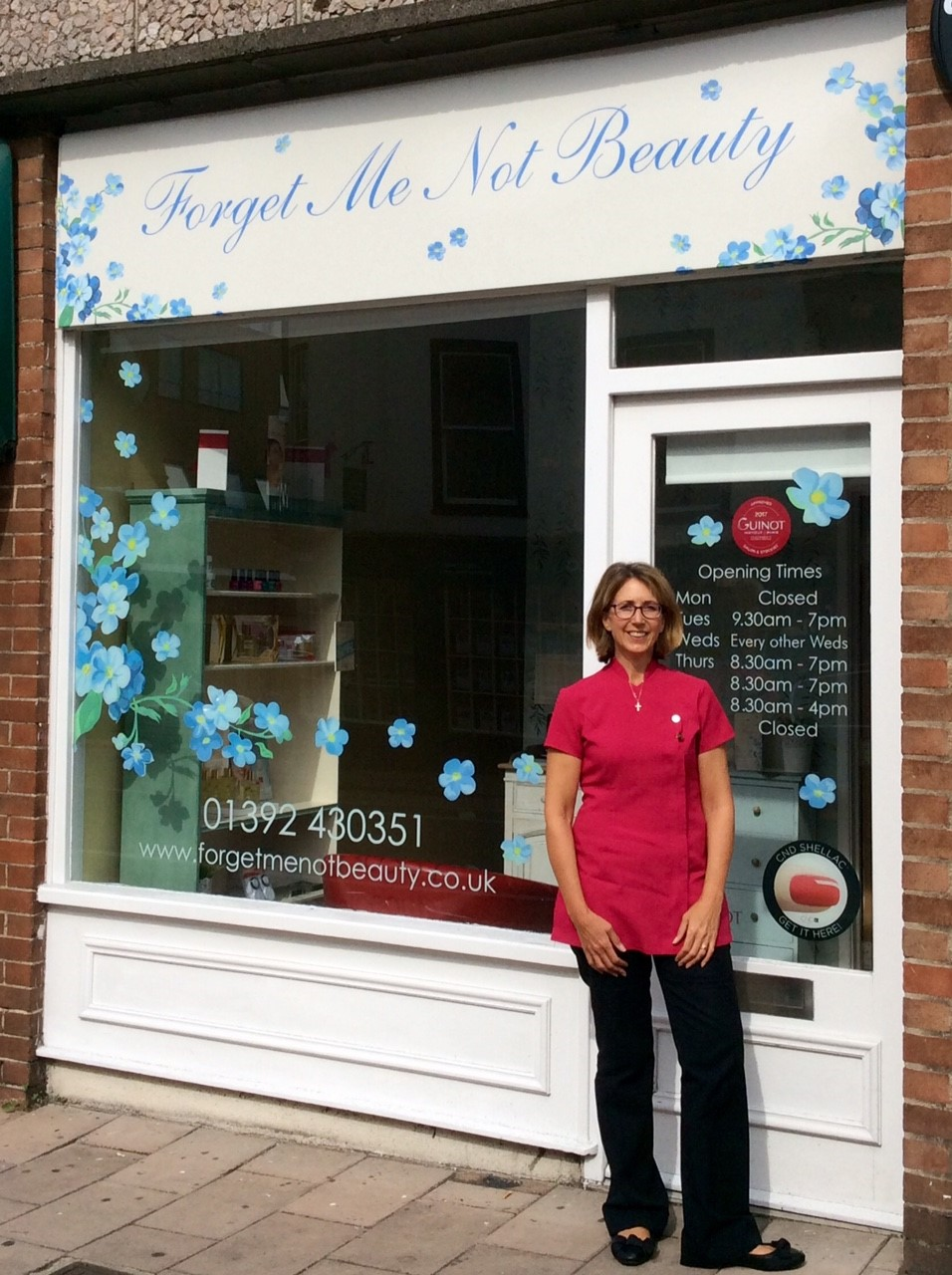 Hi, my name is Jane.  I am very excited about becoming the new owner of Forget Me Not Beauty and would like to take this opportunity to tell you a little about my background in beauty therapy.  I have been in the beauty industry for over 20 years and have worked in many establishments including the St George's Hill prestigious private lawn tennis club in Surrey, St Pierre Park 4* Hotel/Spa in Guernsey and David Lloyd Health Club in Exeter.   I trained in London at Steiner Beauty School gaining my CIBTAC qualification in beauty therapy in 1996.  I am married and have 2 beautiful girls aged 16 and 11 and a springer spaniel called Jess! We have lived in Devon just over 4 years and have recently purchased our forever home, a thatched cottage in a village outside of Exeter.  I look forward to meeting you and taking care of you in the salon  Jane x