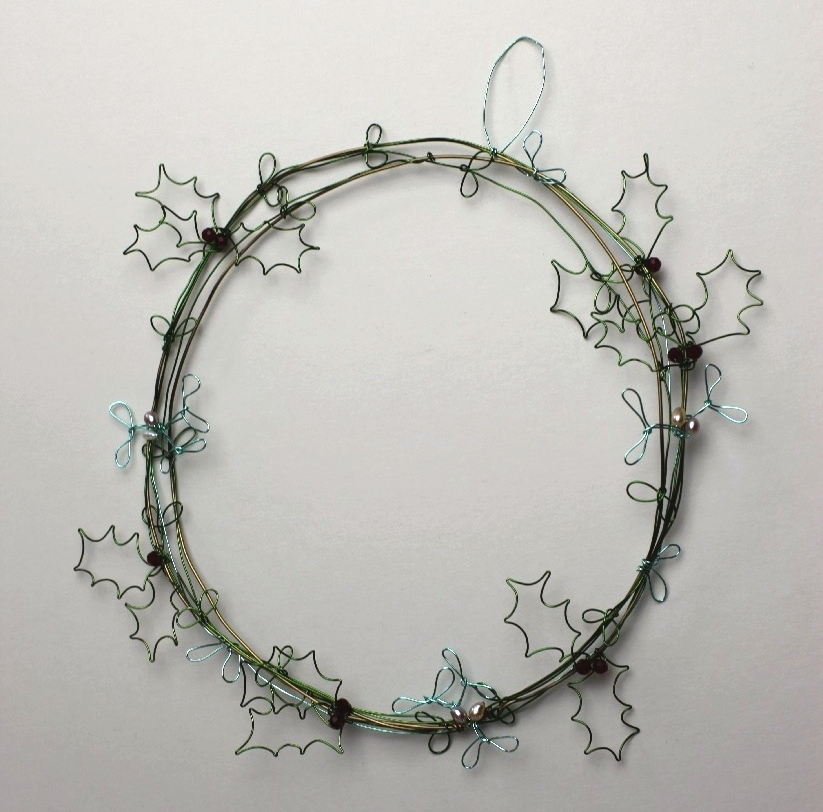 Wreath  copper wire, glass beads and pearls
