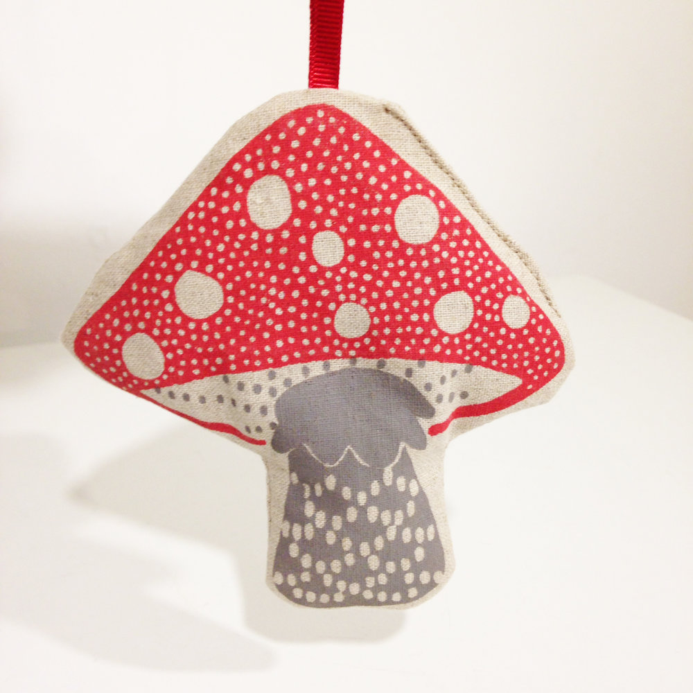 Solitaire Toadstool Lavender Bag cotton £8