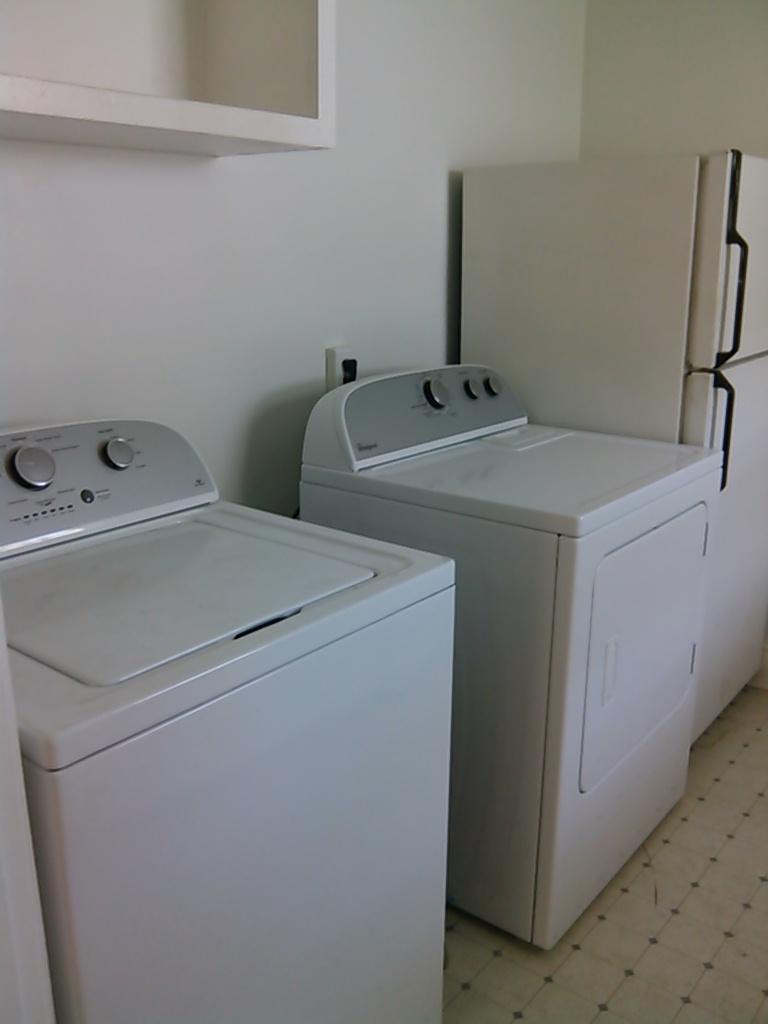 Graham Street, S., 120 - Washer-Dryer.jpg